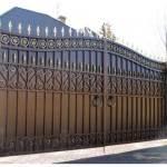 Металлические ворота для загородного дома