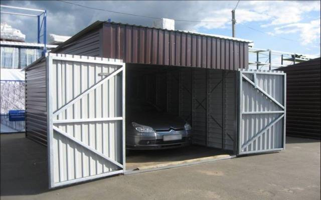 Ворота и гараж из профнастила