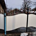 Кованные ворота из профнастила