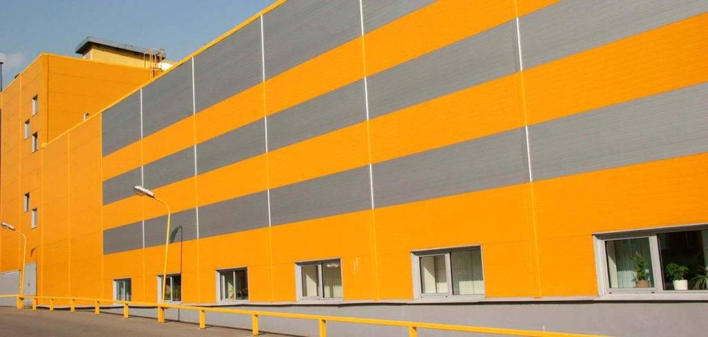 Здание из стеновых панелей